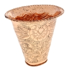 Металлические вазы