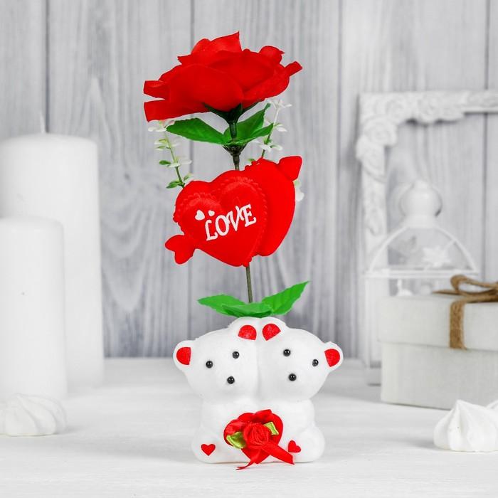 """Декор-украшение для букетов """"Влюбленные мишки"""" с сердечком и цветочками"""