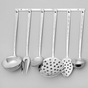 A set of kitchen accessories, 6 items, a thickness of 2.5 mm, on the suspension.