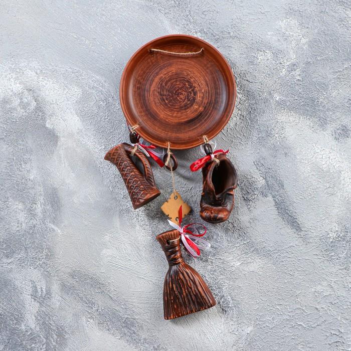 """Оберег """"Тарелка и три предмета"""", красная глина, роспись, микс"""