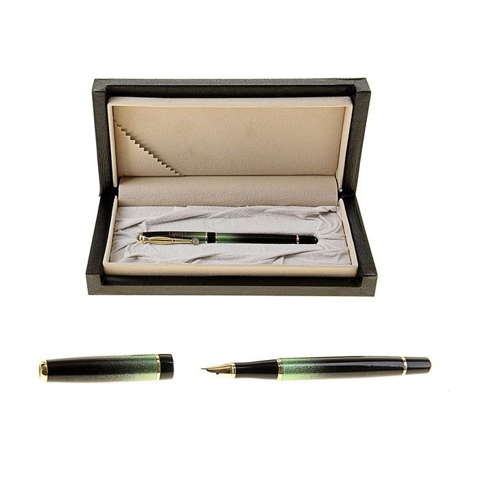 Ручка подарочная перьевая в кожзам футляре Эксклюзив черная с зелеными и золотыми вставками