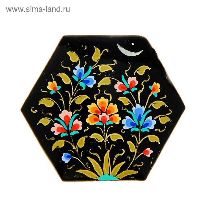 Магнит сувенирный шестиугольный, черный с цветочками, 5 см