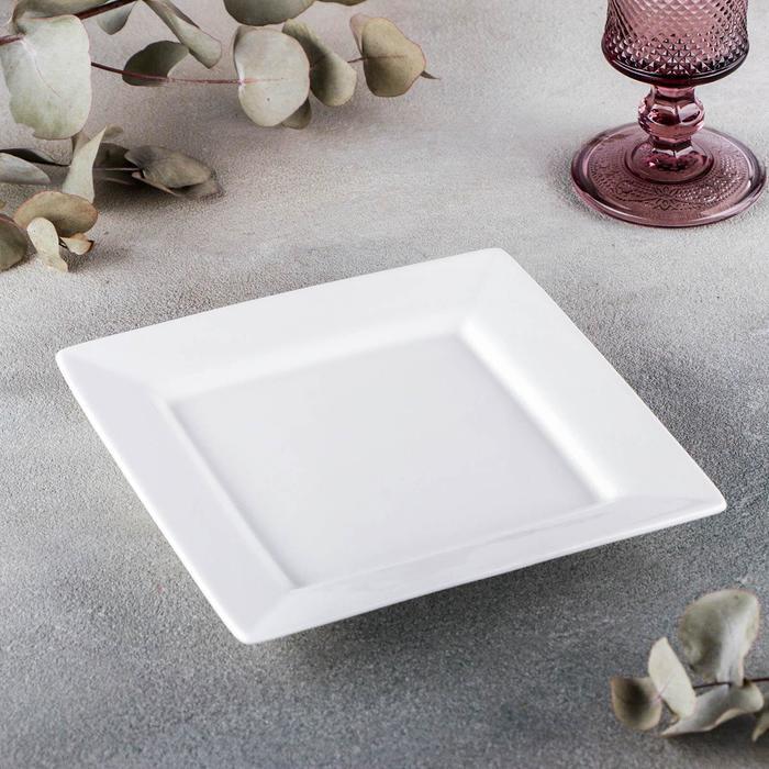 Тарелка квадратная 18,5 см