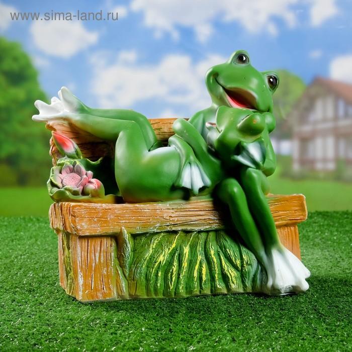 """Садовая фигура """"Пара сидящих лягушек на лавке"""""""