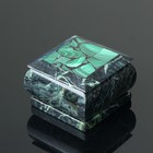 Box 8.5 x 8.5 x 8 cm, serpentine, malachite
