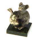 """Сувенир """"Мышь с мешком"""", из бронзы на подставке из змеевика"""