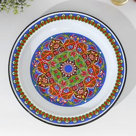 Dish 3 l with Arabic ornament.