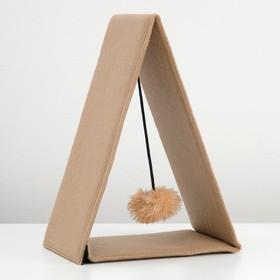 Треугольная складная когтеточка-домик из ковролина с игрушкой, 34 х 16 х 28,5 см микс цветов