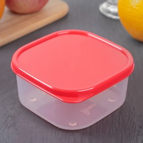 The food container 400 ml, colour red