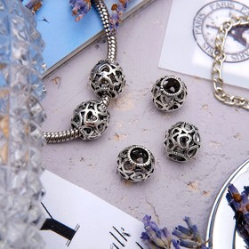 Talisman Pattern with hearts, color: silver