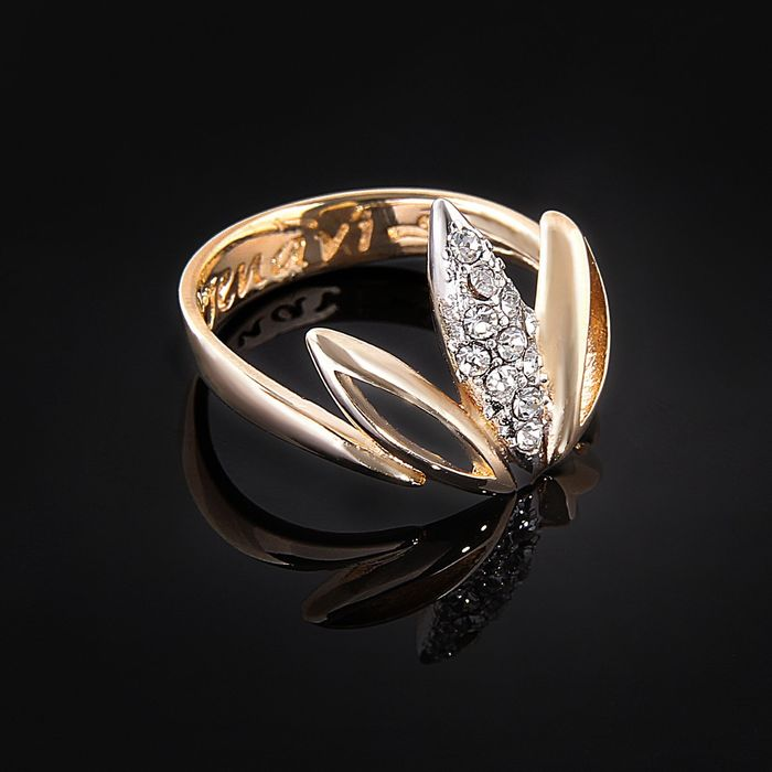 """Кольцо """"Аевин"""", размер 17, цвет белый в золоте"""
