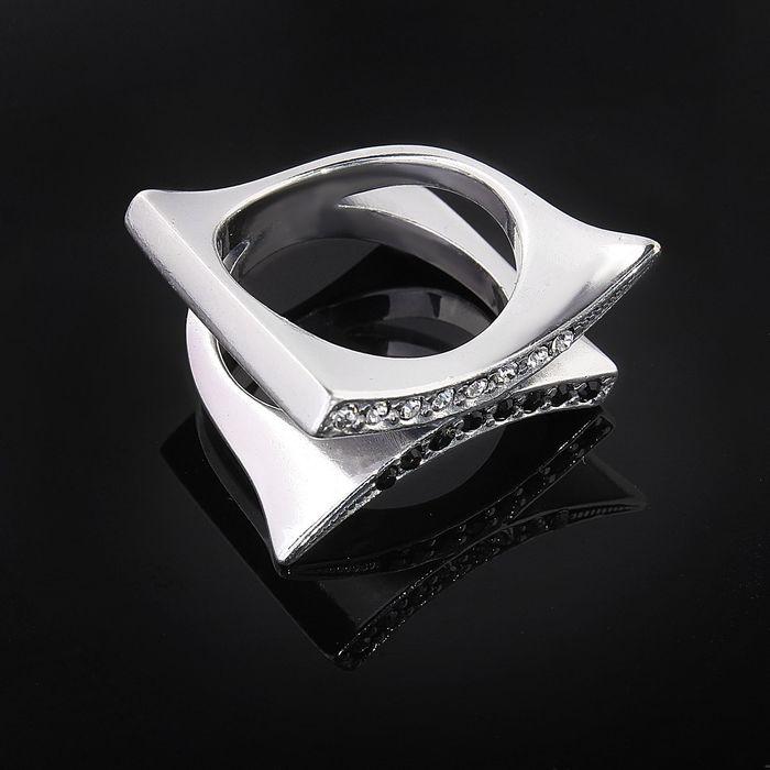"""Кольцо """"Дуэль"""", размер 17, цвет черно-белый в черненом серебре"""