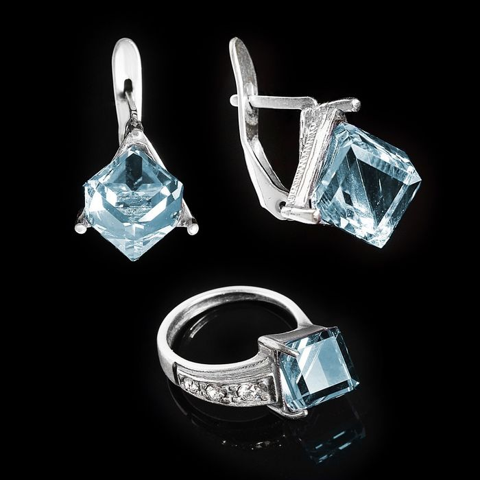"""Гарнитур 2 предмета: серьги, кольцо """"Куб"""", размер 22, цвет голубой в черненом серебре"""