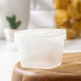 280 ml food container with sealed lid.