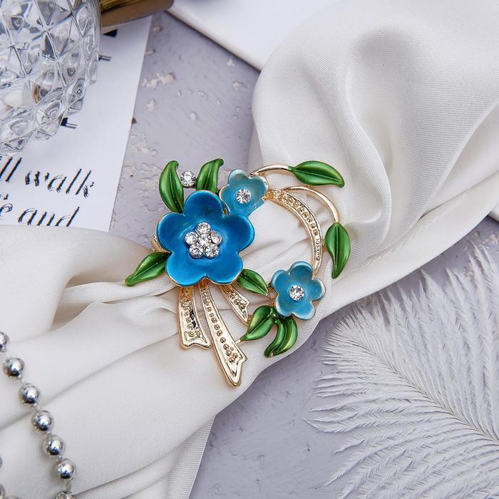 """Зажим для платка """"Цветы"""" трио, цвет зелёно-голубой в золоте"""