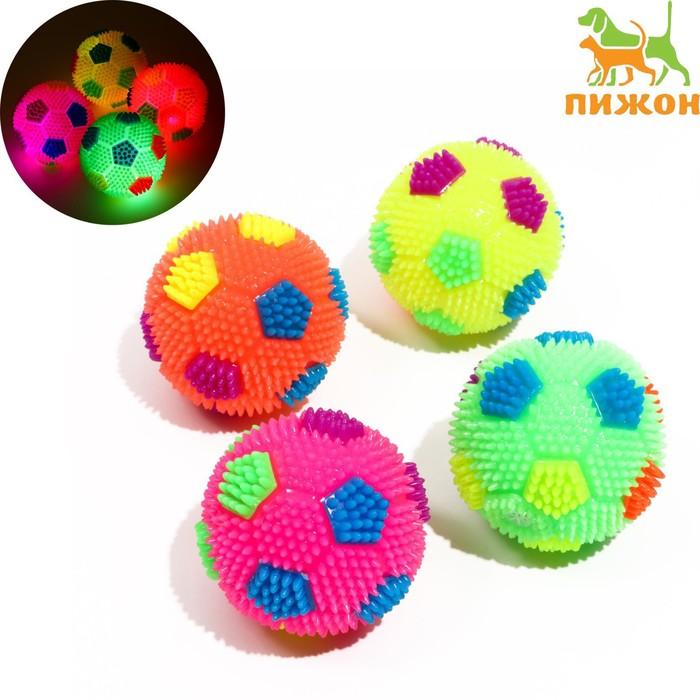 """Мячик светящийся для собак """"Футбол"""", 6,5 см, микс цветов"""