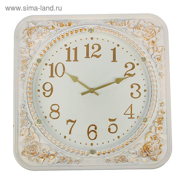 """Часы настенные """"Барокко"""", квадратные с закруглёнными краями и выпуклым орнаментом, белые"""