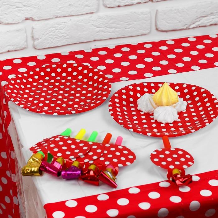 Набор для праздника «Горох», скатерть 180х108 см, 6 тарелок, 6 язычков, цвет красный