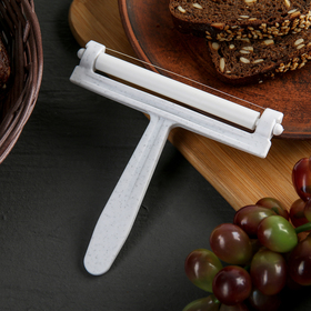 A cheese cutter, MIX color