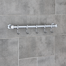 The hook is a wall, moving, on an Accoona A163-5 level, 5 pieces, color chrome.