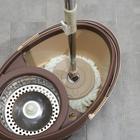 Набор для уборки: ведро на ножках с металлической центрифугой 20 л, швабра, запасная насадка из микрофибры цвет МИКС - фото 7409448