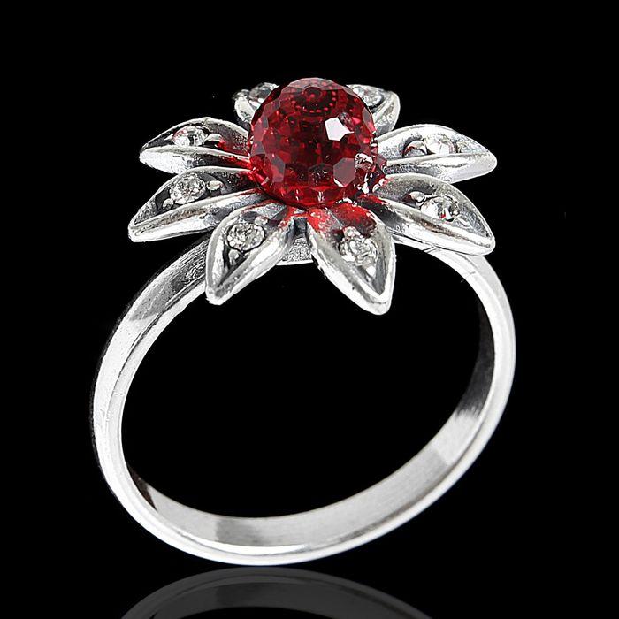 """Кольцо """"Сель"""", размер 17, цвет красный в серебре"""
