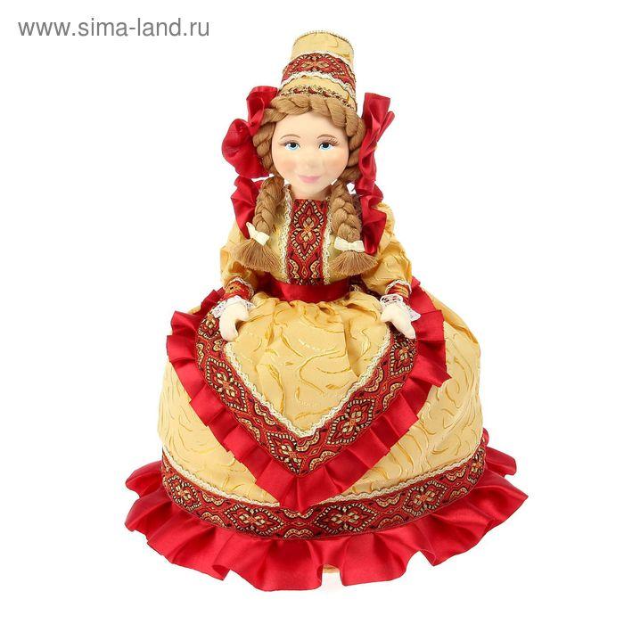 """Авторская сувенирная кукла на чайник """"Настенька в бежевом платье"""""""