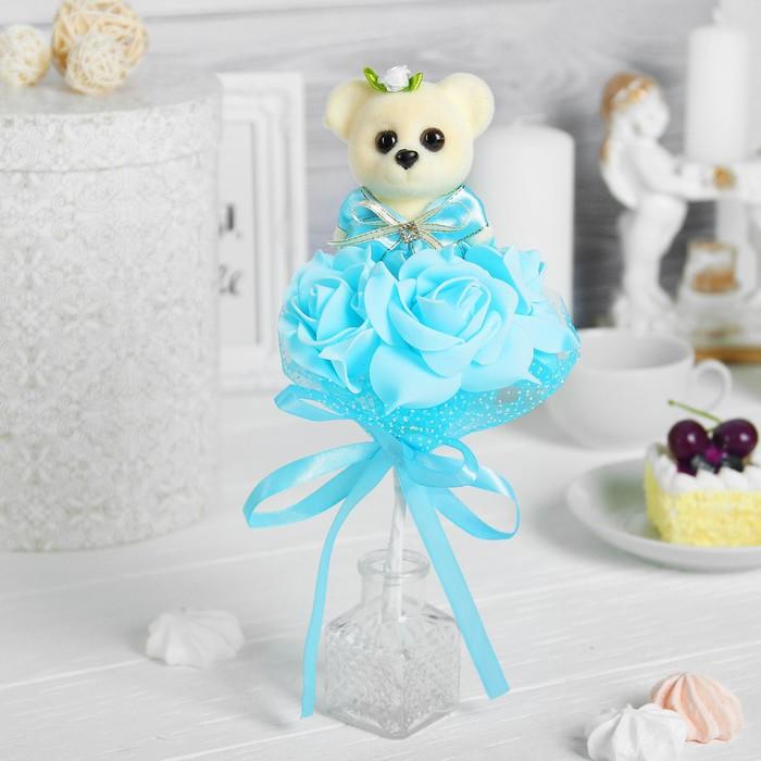 """Букет с мишкой """"От всей души"""", 3 цветка, цвет голубой"""