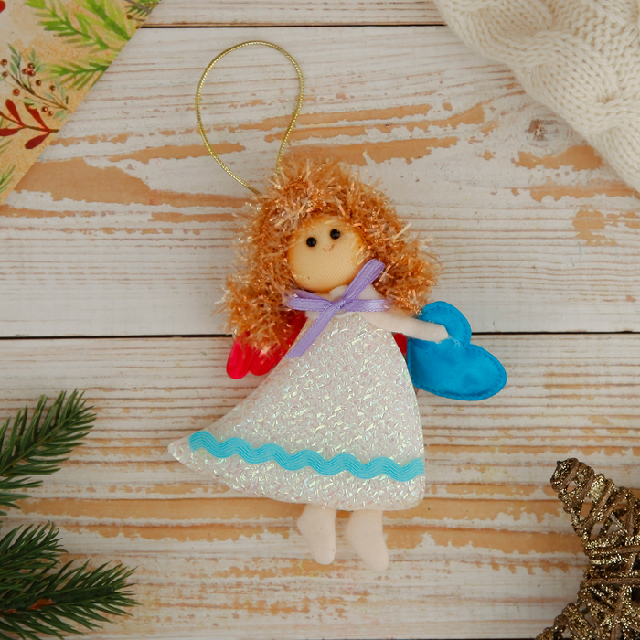 """Мягкая ёлочная игрушка """"Ангелок в белом платье"""" с сердцем"""