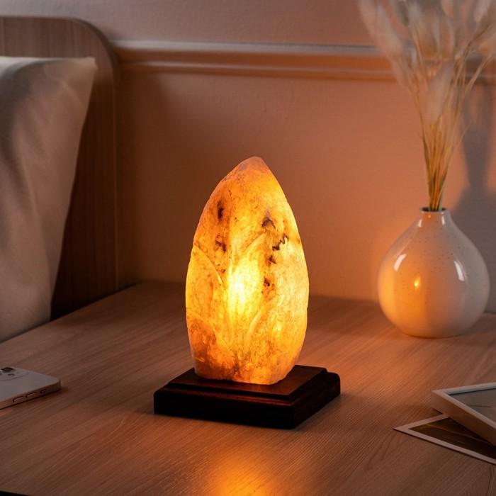 """Соляная лампа """"Лист"""", цельный кристалл, 12х10х21см, 2-3 кг"""