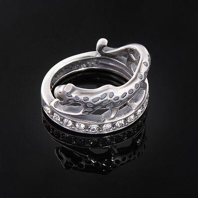 """Кольцо """"Ульмара"""", размер 17, цвет белый в черненом серебре"""