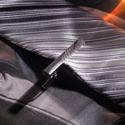"""Зажим для галстука """"Классический"""" полосы крупные, цвет серебристый"""