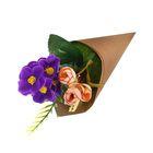 Цветочная композиция в конусе розы, фиалки 24*8 см