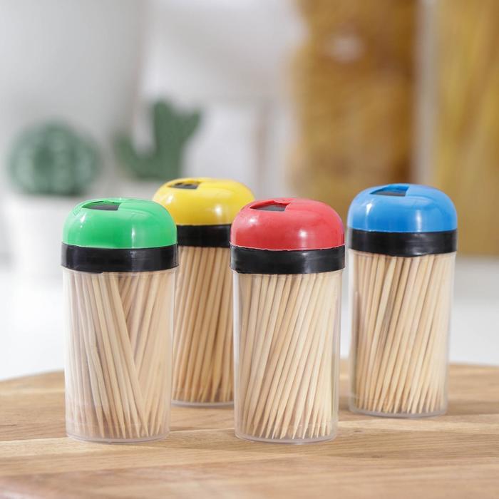 Зубочистки 140-150 шт, в пластиковой баночке, цвет МИКС