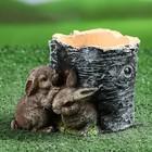 """Фигурное кашпо """"2 зайца возле пня"""""""