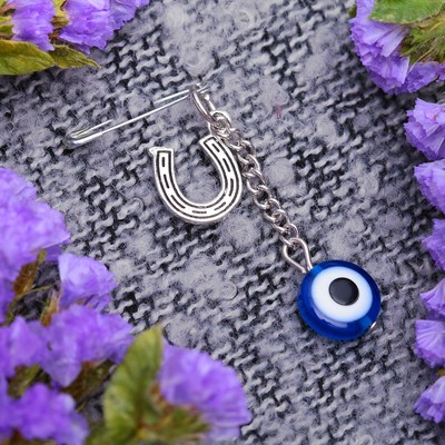 "Safety pin charm ""Eye"" with a horseshoe, 2.5 cm, color blue in silver"