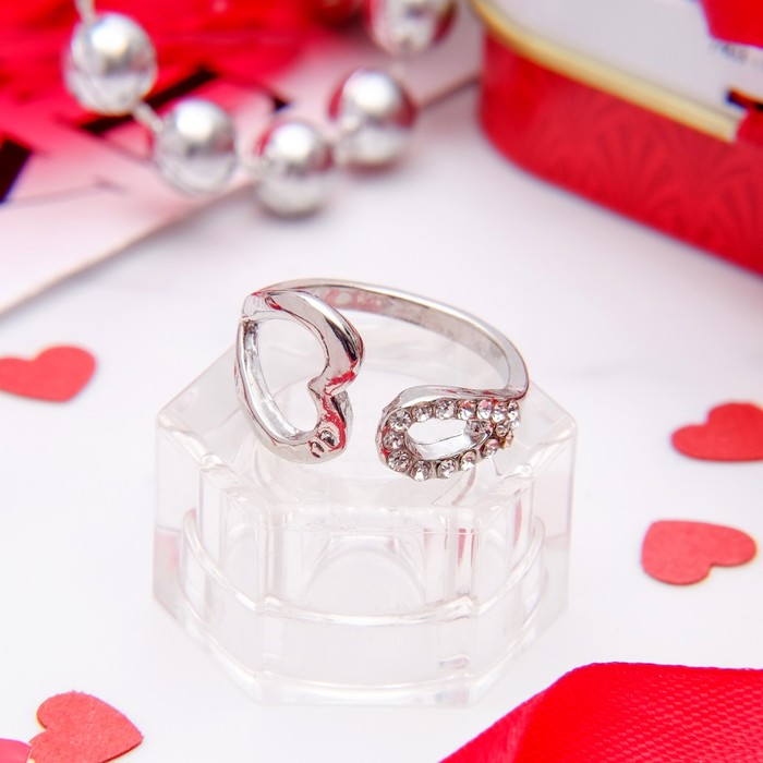 Кольцо ''Сердечко'', цвет белый в серебре, безразмерное   1503248