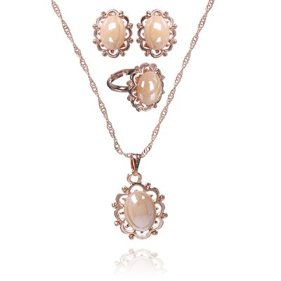 """Гарнитур 3 предмета: серьги, кулон, кольцо безразмерное """"Эдель"""" овал, цвет бежевый в золоте, 45см"""