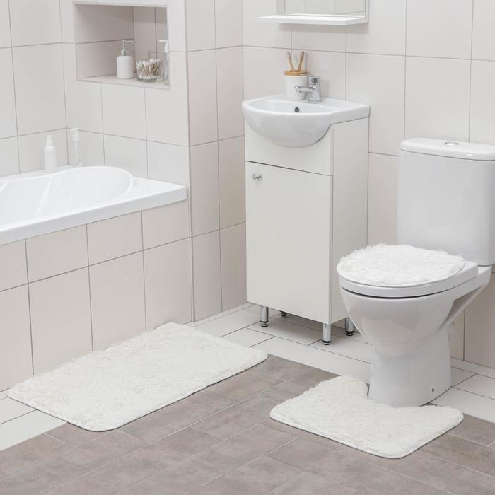 """Set of floor mats for bathroom and toilet """"Plush"""" 3-piece, white"""