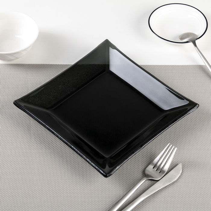 """Тарелка 20х2 см """"Стиль"""", цвет черный"""