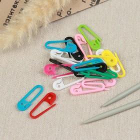 A set of pins, 3 x 1 x 0.3 cm, 20 PCs, MIX color