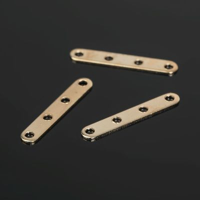 The separator 4 holes (set of 20pcs) SM-326, color gold