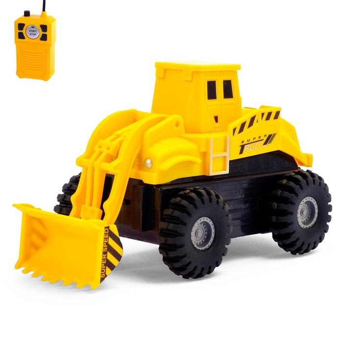 """Трактор радиоуправляемый """"Погрузчик"""", 1:32, работает от батареек"""