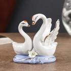 Сувенир керамика под фарфор 2 лебедя 8*7 см