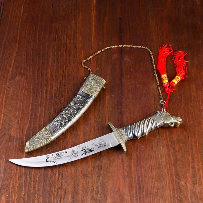 Сувенирный кортик, 37 см, ножны с конями, рукоять в форме головы коня, на лезвии узор