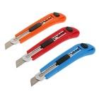 Нож универсальный Top Tools, корпус пластик, квадратный фиксатор, усиленный, 18 мм, 3 лезвия