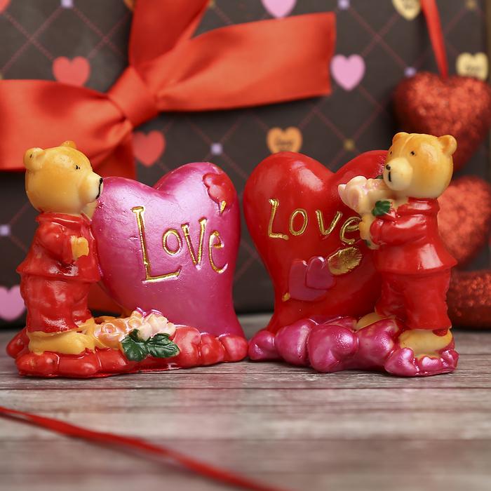 """Сувенир """"Мишка в костюме с сердцем и цветами"""""""