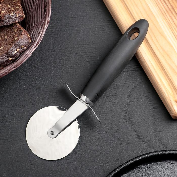 """Нож для пиццы и теста """"Blade"""" 21 см, ручка soft touch, цвета МИКС"""