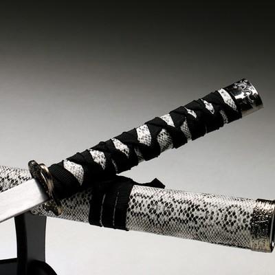 Сувенирное оружие «Катана», серые ножны под змеиную кожу, 89 см