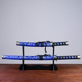 Сув. изделие катаны 2в1 на подставке, ножны ткань, драконы золото на синем 47/70см